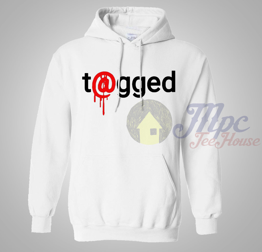 T@gged Pullover Hoodie