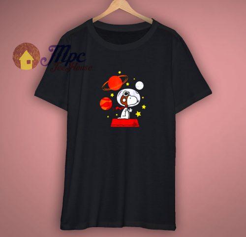 Nice Peanuts Snoopy Space Pilot Mars T shirt